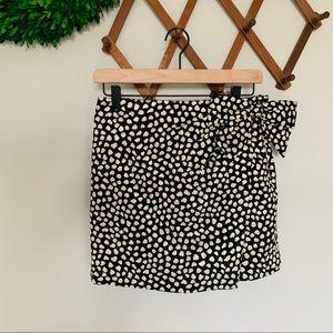 NWT J. Crew | polka dot skirt with bow detail 6p